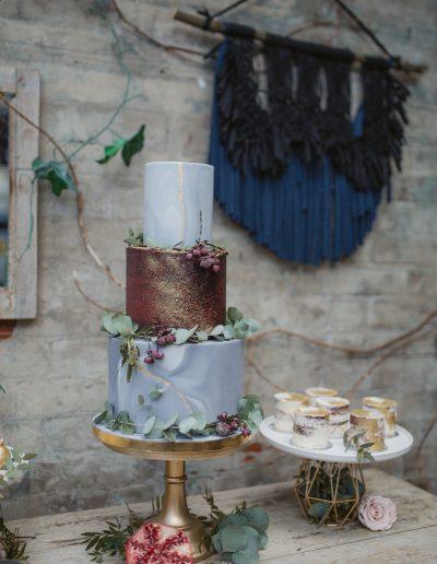 Rustic whimsy urban wedding cake