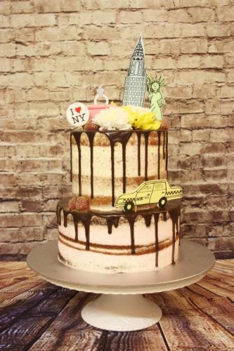 New York drip cake